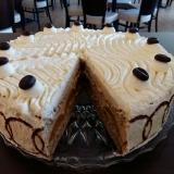 Cafe Macchiatotorte mit Aprikosen